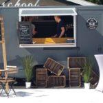 Foodtruck met kip truck