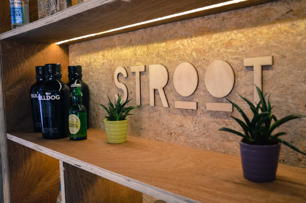 STROOT FOODTRUCK BAR